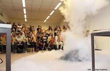 Vulkán Nap: Robban vagy ömlik? Játékos vulkánkísérletek - Regisztrálj a Kutatók Éjszakájára