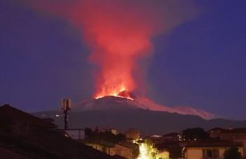 Nincs összefüggés a szicíliai földrengés és az Etna kitörése között